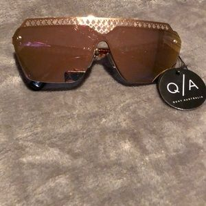 Quay Hall of Fame Sunnies